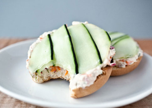 herbed-cream-cheese-cucumber-bagel-484